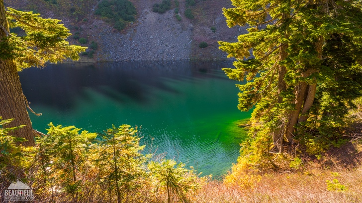 Photo of the Blue Lake Trail, North Cascades Region, Mt. Baker Area, taken in September
