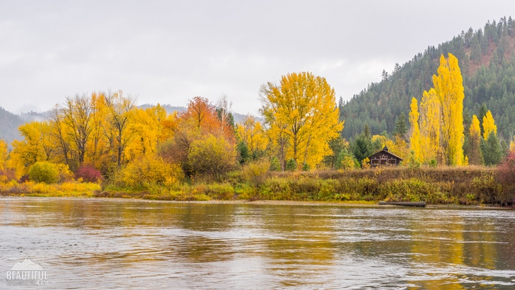 Photo from Waterfront Park of the town of Leavenworth, Central Cascades