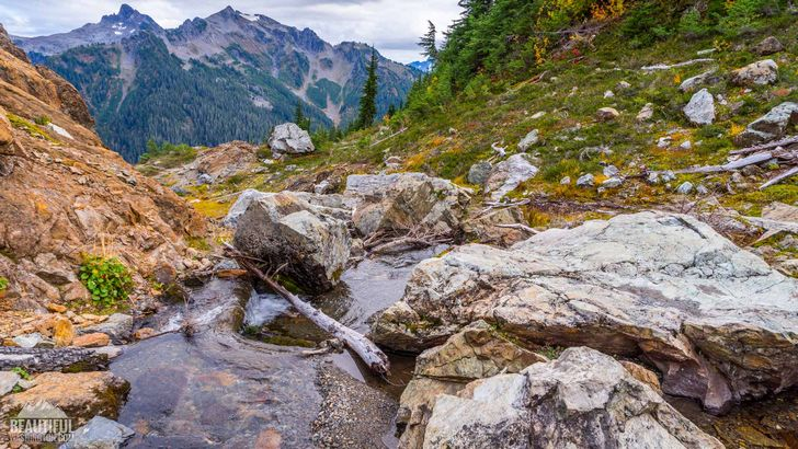 Photo from the Yellow Aster Butte Trail, taken during a beautiful autumn time, Mt. Baker Area, North Cascades